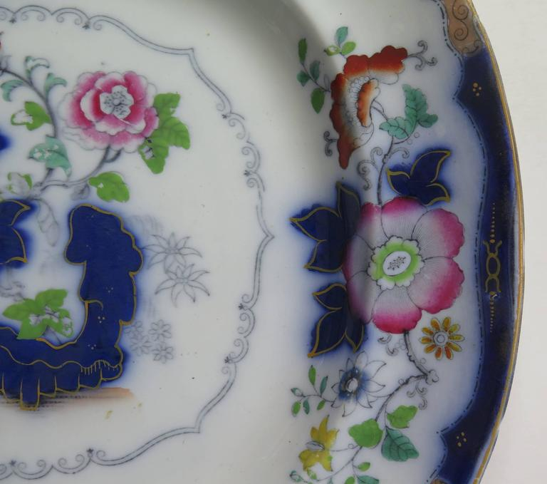 Mason's (F Morley & Co) Ironstone Platter hand painted Chinoiserie, Ca 1850  In Good Condition For Sale In Lincoln, Lincolnshire