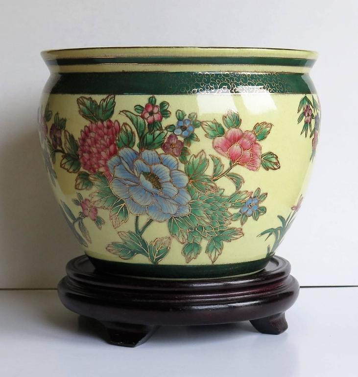 Chinese fish bowl or jardiniere porcelain with wood for Fish bowl stand