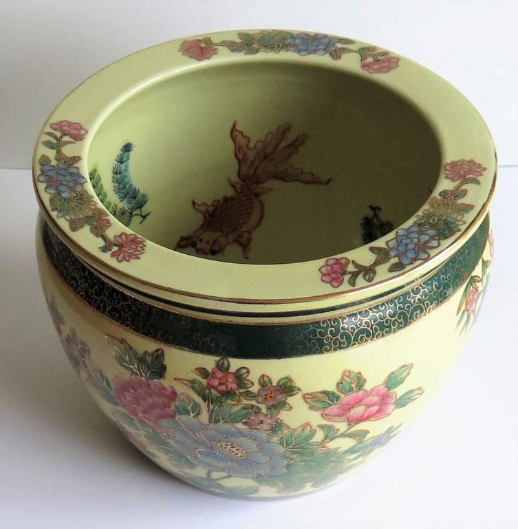 Chinese fish bowl or jardiniere porcelain with wood for Chinese fish bowl