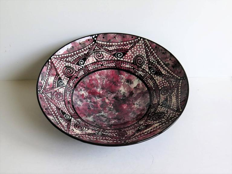 20th Century Studio Pottery Ceramic Bowl Hand Thrown and Decorated Signed, Mid-20th C. For Sale