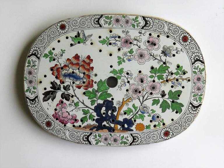 English Georgian Ironstone Drainer Plate by Hicks Meigh and Johnson Chinoiserie, Ca 1830 For Sale
