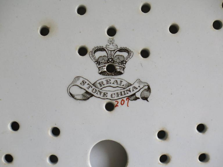 Georgian Ironstone Drainer Plate by Hicks Meigh and Johnson Chinoiserie, Ca 1830 For Sale 3