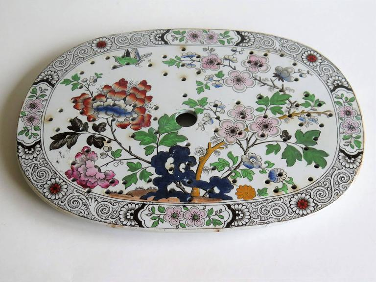 Hand-Painted Georgian Ironstone Drainer Plate by Hicks Meigh and Johnson Chinoiserie, Ca 1830 For Sale