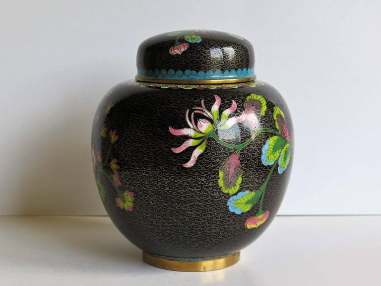 Chinese Cloisonné Lidded Jar Peony and Chrysanthemums, Qing circa 1880 In Good Condition For Sale In Lincoln, Lincolnshire