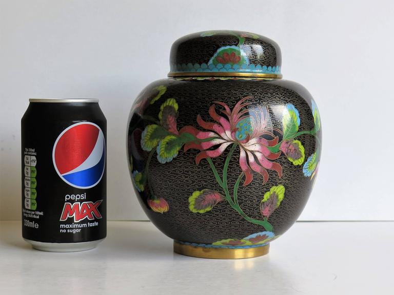 Chinese Cloisonné Lidded Jar Peony and Chrysanthemums, Qing circa 1880 For Sale 2
