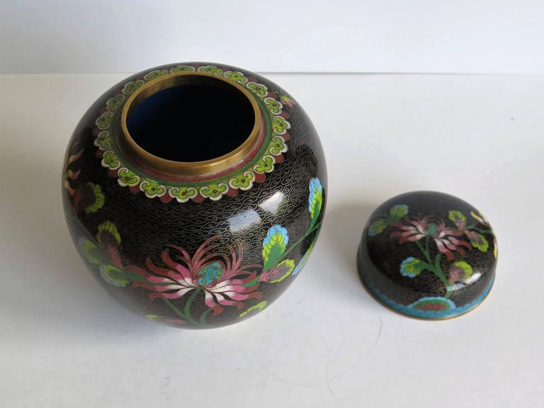 Chinese Cloisonné Lidded Jar Peony and Chrysanthemums, Qing circa 1880 For Sale 3