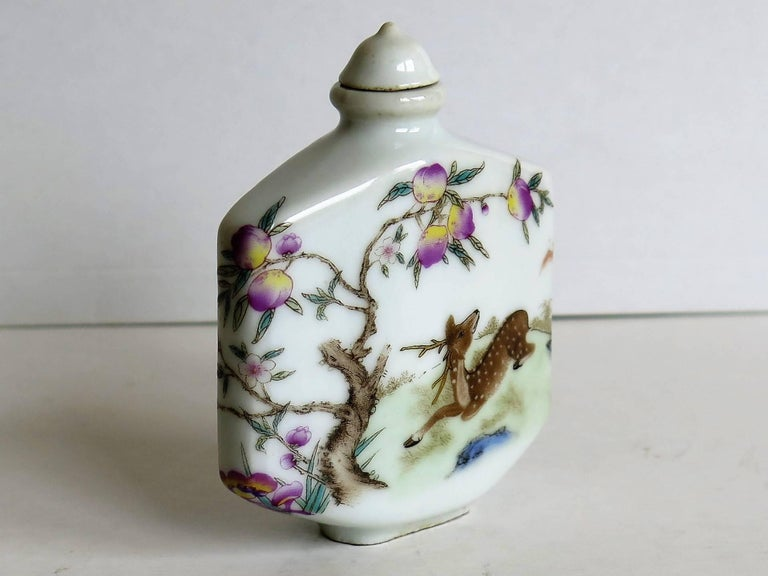 Chinese Porcelain Snuff Bottle Hand Painted Deer Famille Rose, circa 1940s For Sale 1