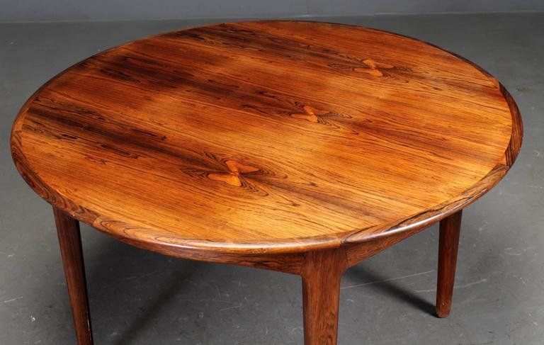 Danish Rosewood Dining Table by Henning Kjaernulf In Excellent Condition For Sale In London, GB