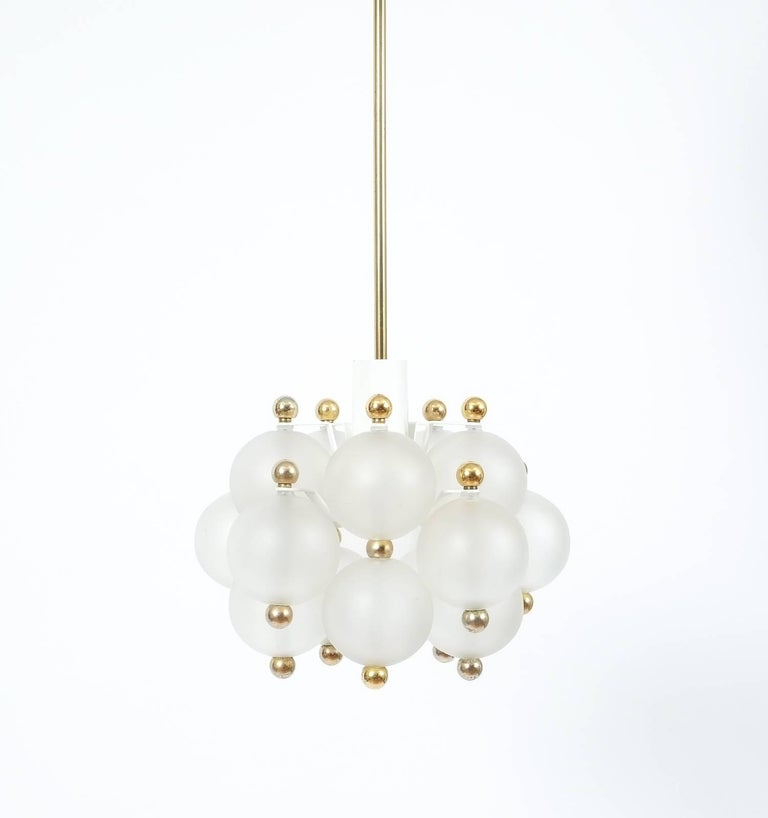 Satin Glass Chandelier Lamp in the Style of Seguso With Gold Knobs, circa 1980 For Sale 1