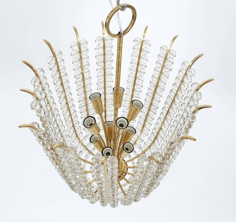 Majestic Basket Crystal and Brass Chandelier Bakalowits, circa 1950 In Good Condition For Sale In Vienna, AT