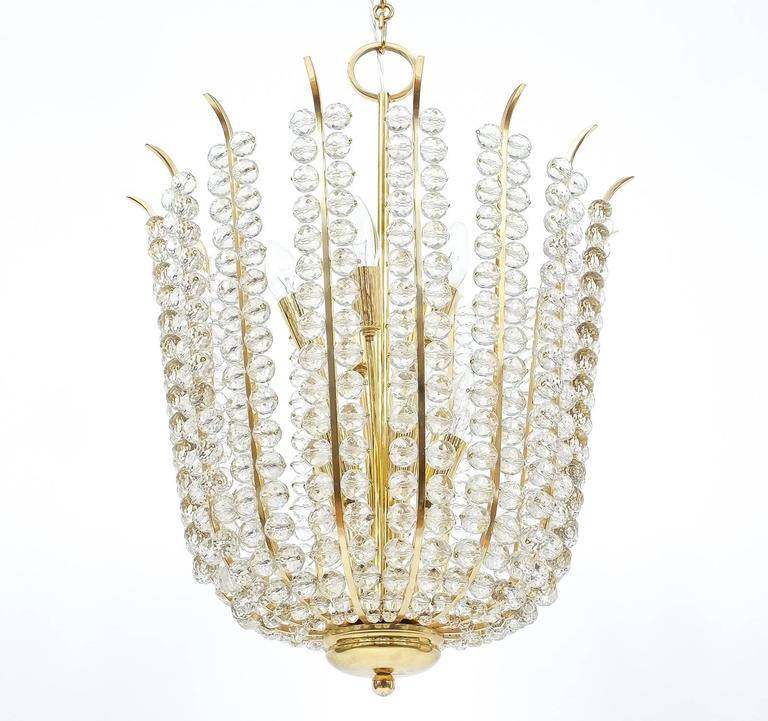 Austrian Majestic Basket Crystal and Brass Chandelier Bakalowits, circa 1950 For Sale