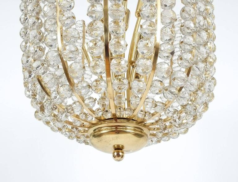 Mid-20th Century Majestic Basket Crystal and Brass Chandelier Bakalowits, circa 1950 For Sale