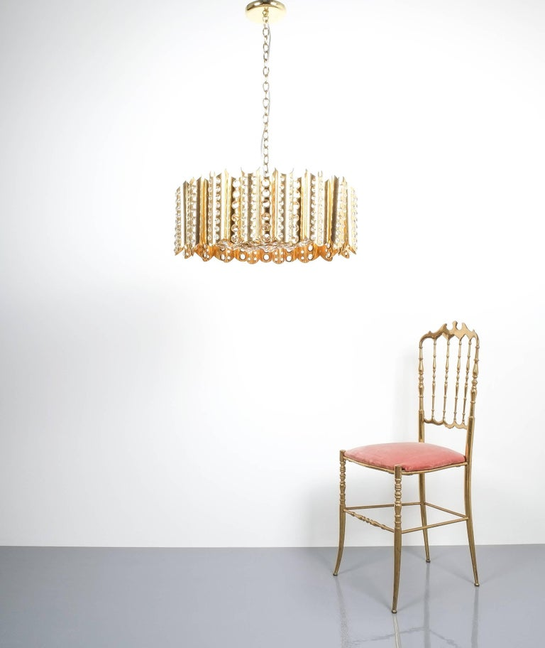 Italian Large Gold-Plated Brass Glass Chandelier Lamp Attributed to Gaetano Sciolari For Sale