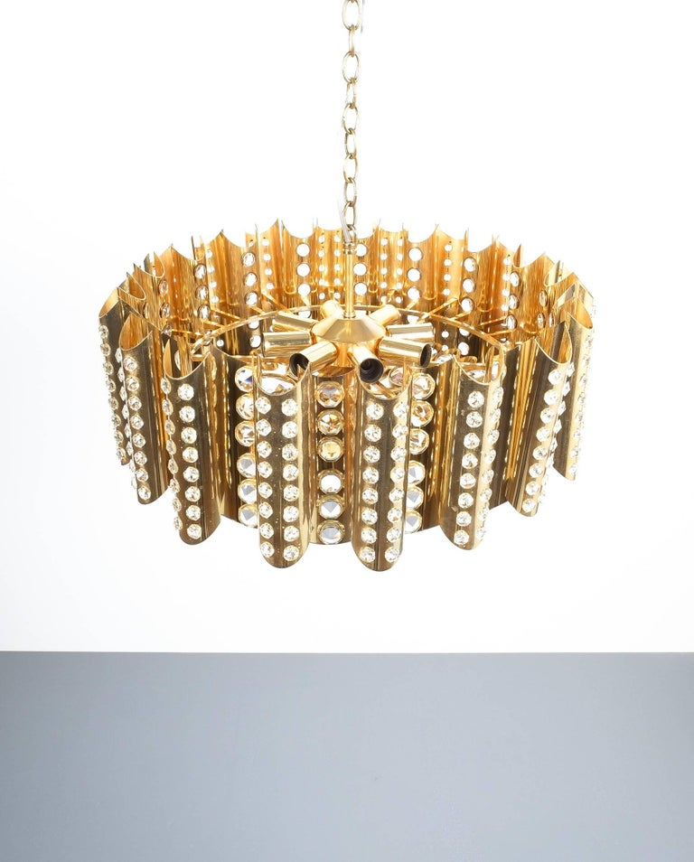 Large Gold-Plated Brass Glass Chandelier Lamp Attributed to Gaetano Sciolari In Excellent Condition For Sale In Vienna, AT