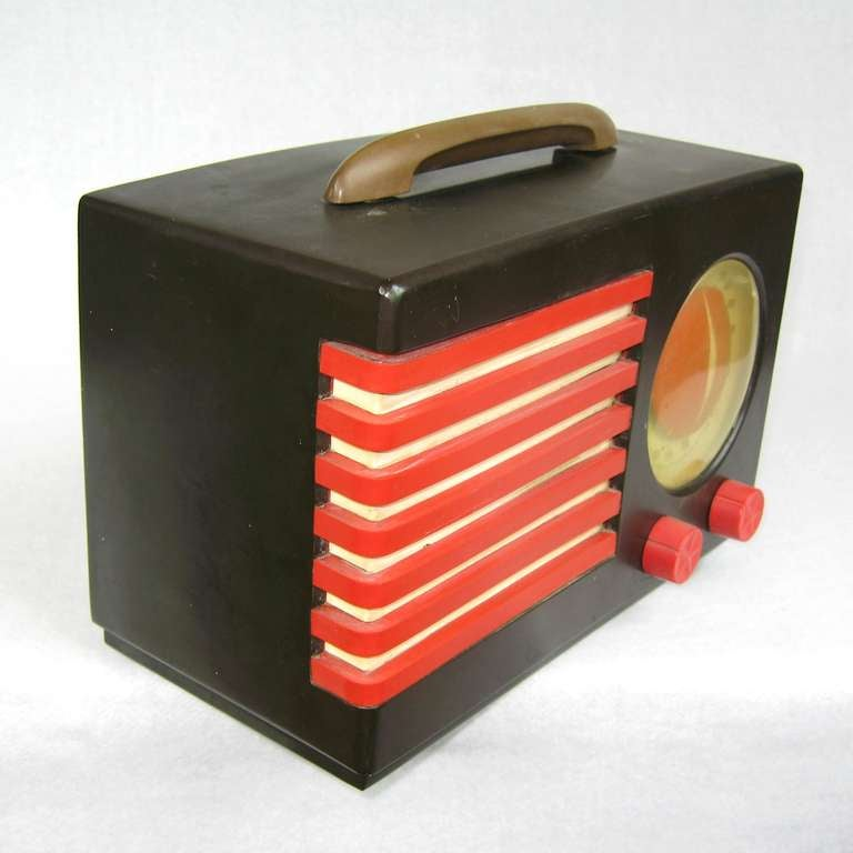 Art Deco 1940s Emerson Blue, White and Red Patriot Catalin or Bakelite Tube Radio For Sale