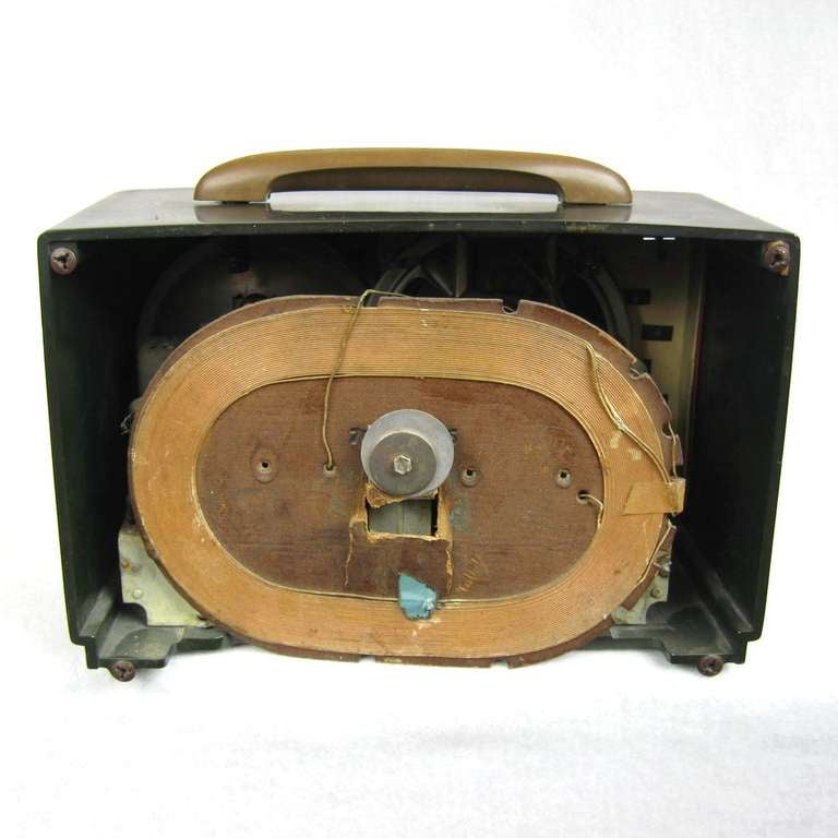 Mid-20th Century 1940s Emerson Blue, White and Red Patriot Catalin or Bakelite Tube Radio For Sale