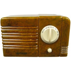 1938, RCA Little Nipper Green and White Catalin Bakelite Tube Radio