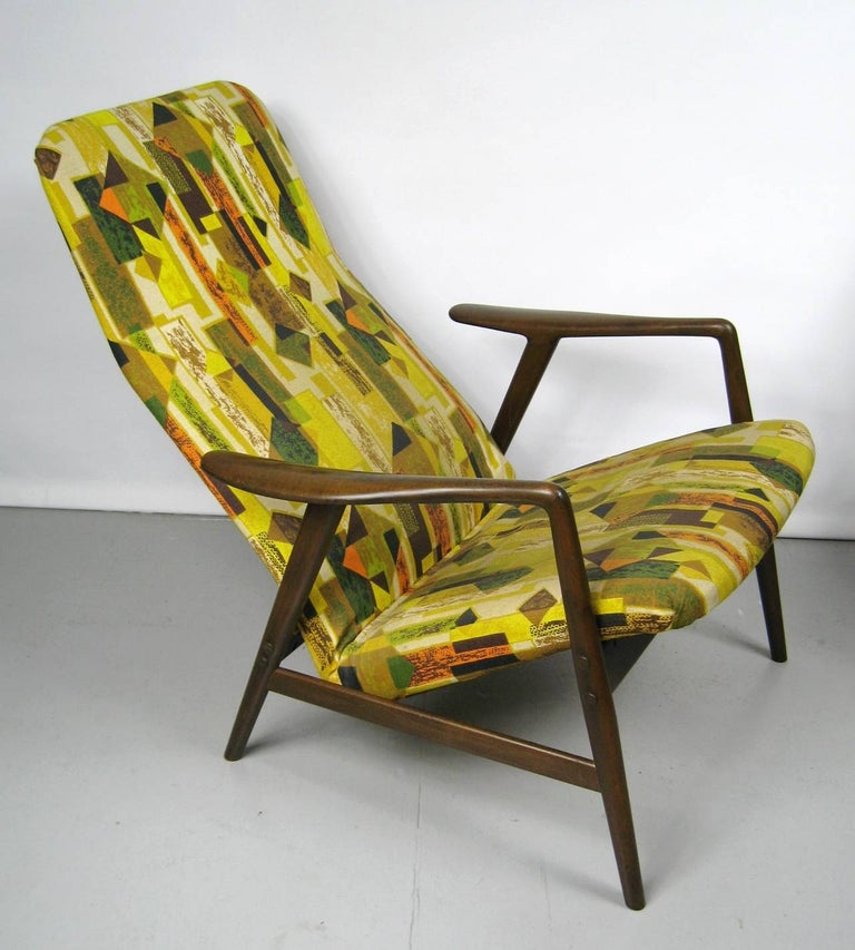 Swedish Midcentury Folke Ohlsson DUX Recling Chair with Ottoman, Mid-Century Modern For Sale