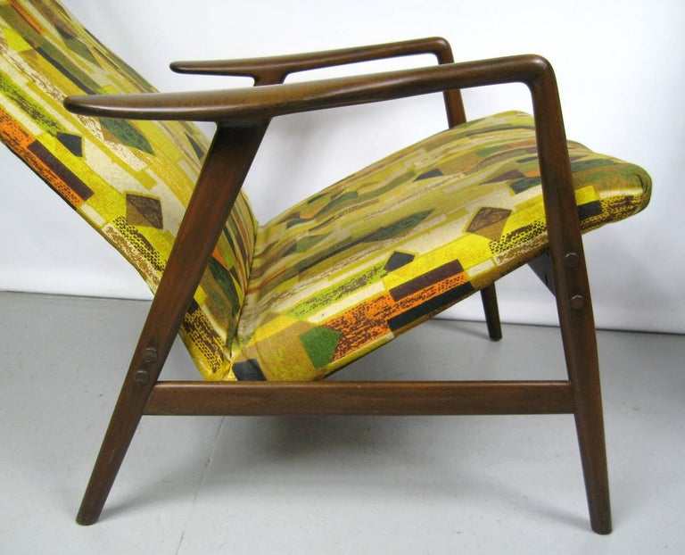 Midcentury Folke Ohlsson DUX Recling Chair with Ottoman, Mid-Century Modern In Good Condition For Sale In Wallkill, NY