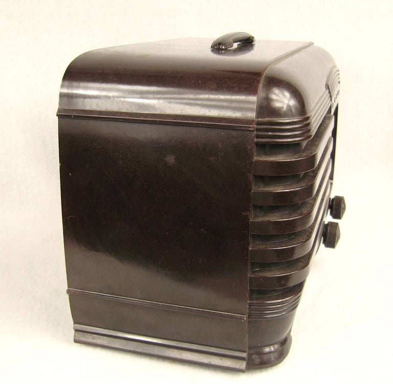 Lone Ranger Vintage 1930s Pilot Bakelite Radio In Excellent Condition For Sale In Wallkill, NY