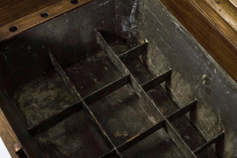 English 19th Century Mahogany Sarcophagus Shaped Wine Cellarette For Sale