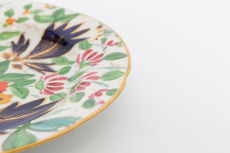 English 19th Century Porcelain Plate with Floral Design For Sale