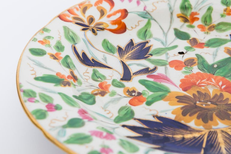 19th Century Porcelain Plate with Floral Design In Good Condition For Sale In Nashville, TN