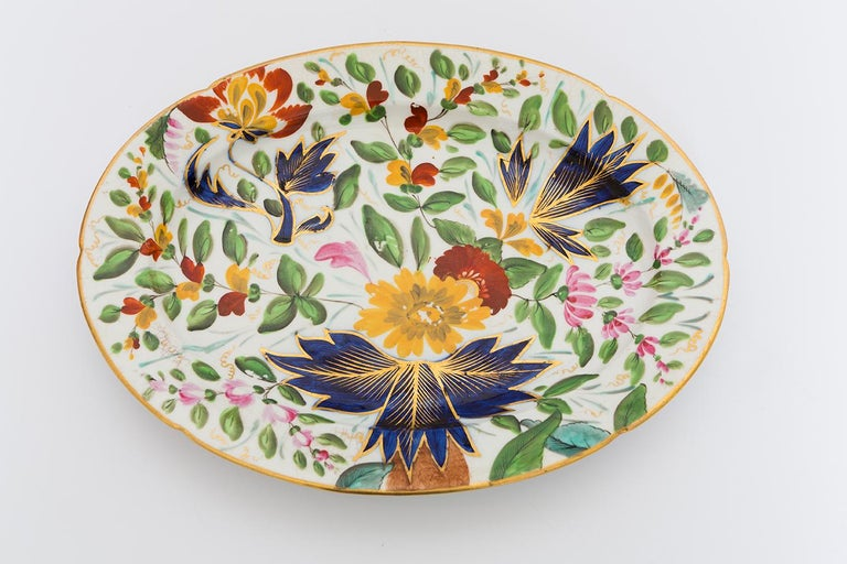 19th Century Porcelain Plate with Floral Design For Sale 2