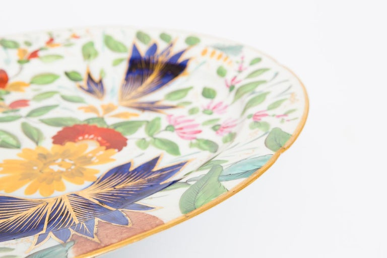19th Century Porcelain Plate with Floral Design For Sale 4