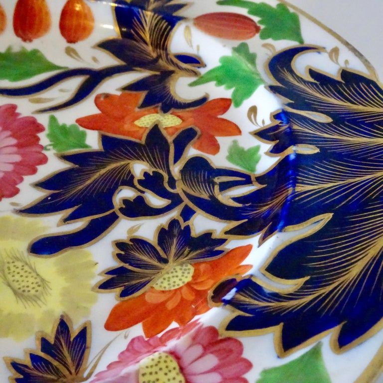19th Century Porcelain Plate with Decorative Floral Design For Sale 4