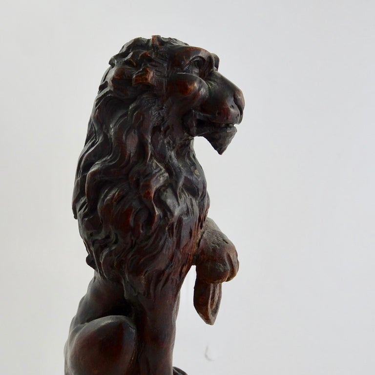 Pair of 19th Century Bronze Lion Statues on Marble Bases For Sale 5