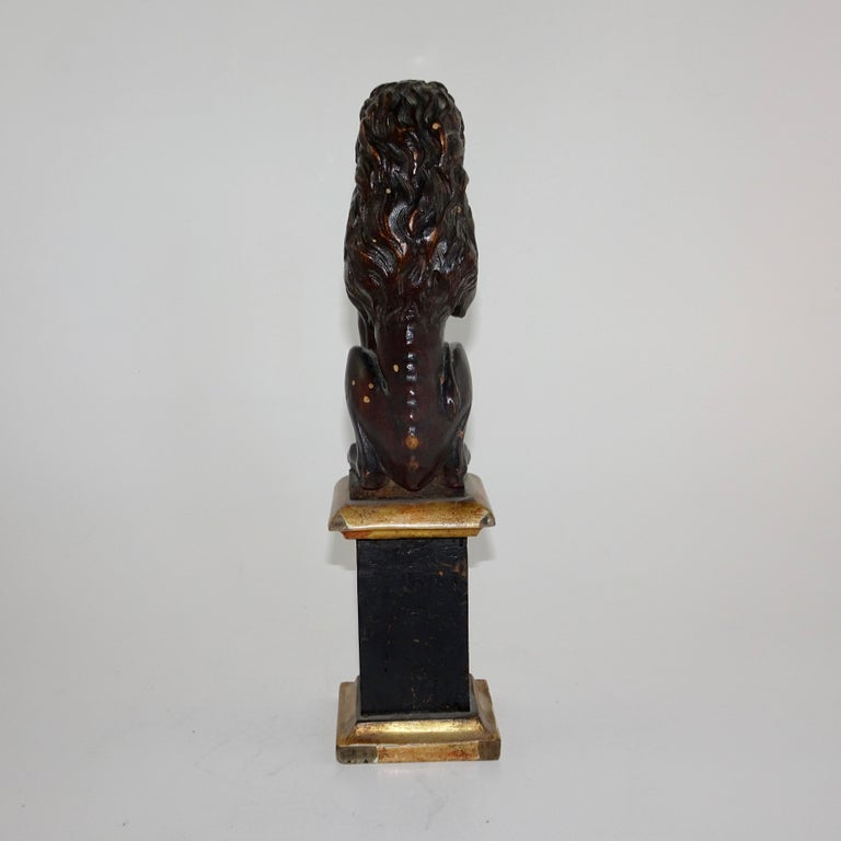 Pair of 19th Century Bronze Lion Statues on Marble Bases For Sale 10