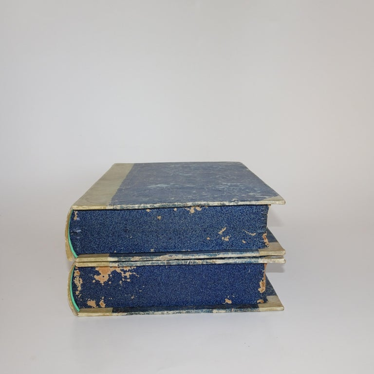 Early 19th Century Pair of Grand Tour Intagilos in a Box Designed as a Book In Good Condition For Sale In Nashville, TN