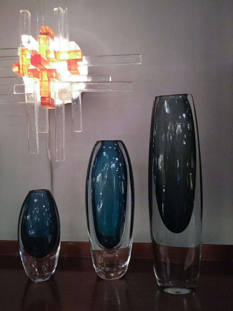 Glass Vase by Vicke Lindstrand for Kosta Boda, Sweden, 1960s In Excellent Condition For Sale In New York, NY