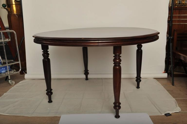 British Indian Ocean Territory Late 19th Century British Campaign Rosewood Round Dining Table For Sale