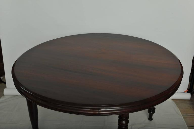 Late 19th Century British Campaign Rosewood Round Dining Table In Excellent Condition For Sale In Nantucket, MA