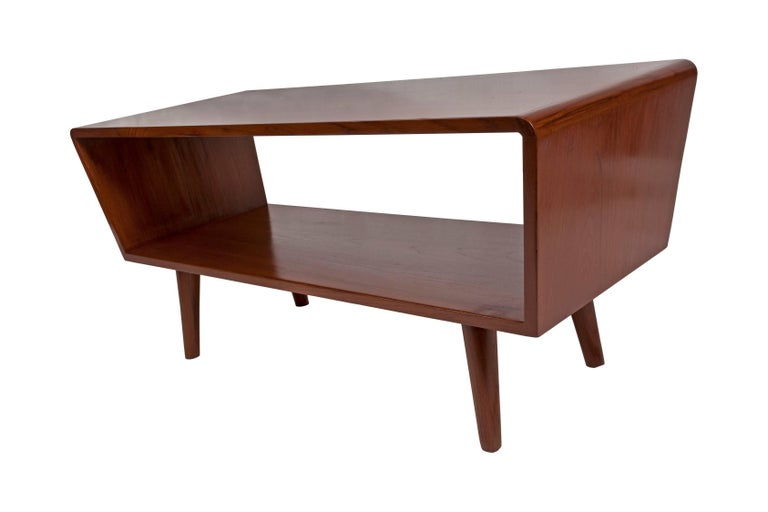 Danish Mid-Century Modern Coffee or Cocktail Table, circa 1950s-1960s In Good Condition For Sale In Nantucket, MA