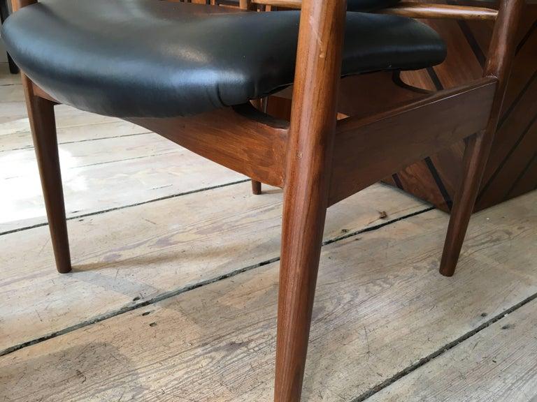 Finn Juhl, Danish Mid-Century Modern Teak and Leather Armchair For Sale 4