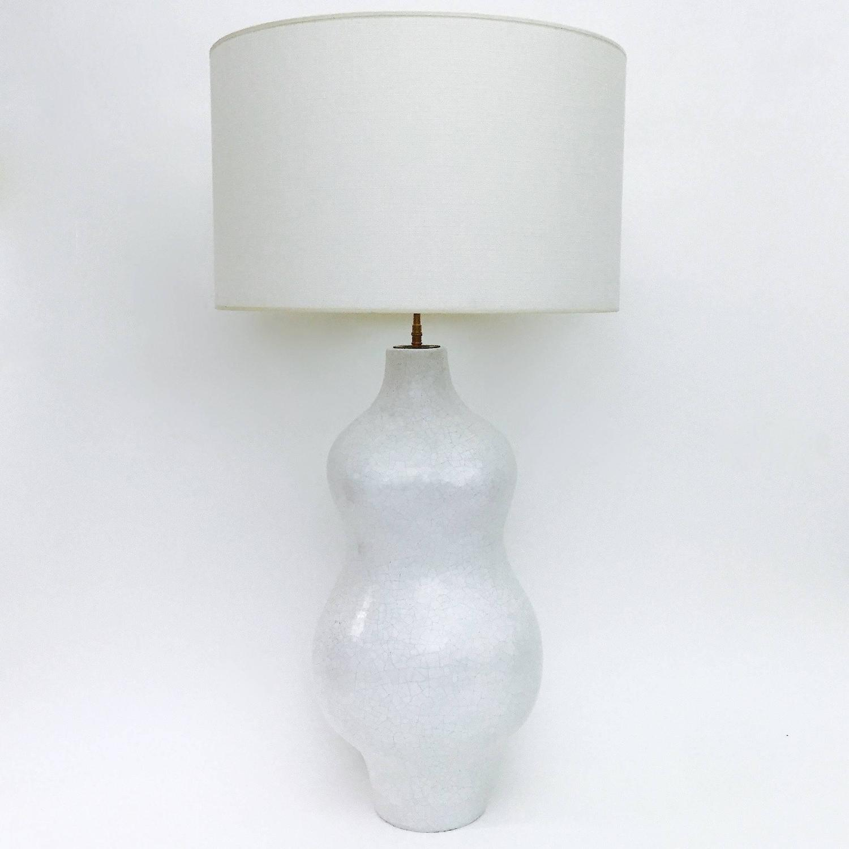 large bust ceramic table lamp glazed in white for sale at. Black Bedroom Furniture Sets. Home Design Ideas