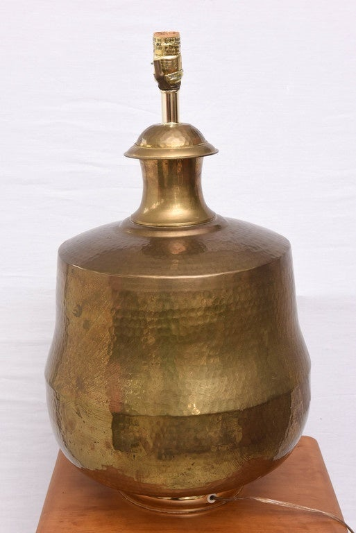 Monumental Hammered Brass Lamp, 1970s, USA In Good Condition For Sale In Miami, FL