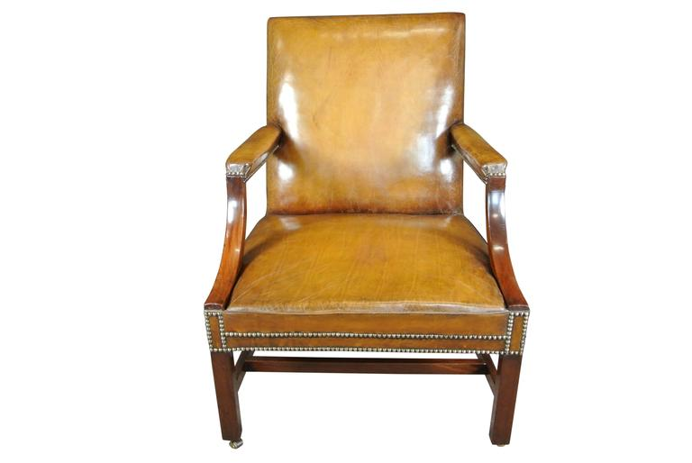 George III Gainsborough Chair In Excellent Condition For Sale In Poole, GB