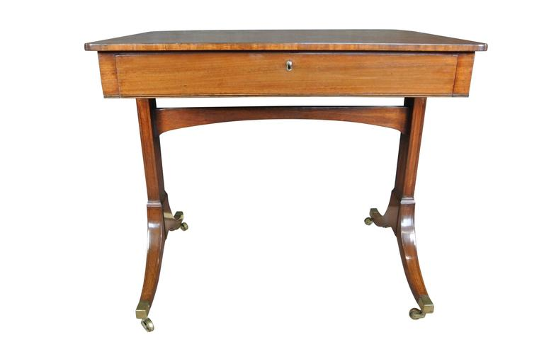 Regency Mahogany Occasional Table In Excellent Condition For Sale In Poole, GB