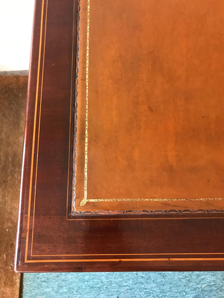 19th Century Hepplewhite Mahogany Kneehole Desk In Excellent Condition For Sale In Poole, GB