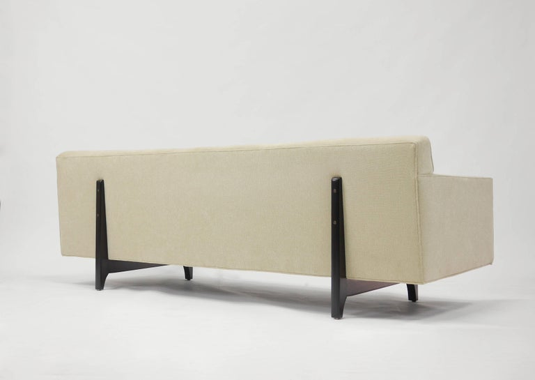Bracket Back Sofa by Edward Wormley for Dunbar 6