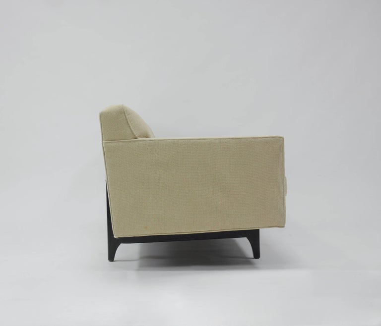 Bracket Back Sofa by Edward Wormley for Dunbar 3