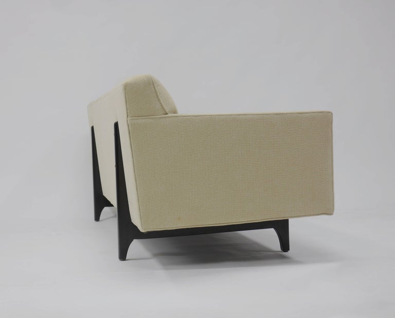 Bracket Back Sofa by Edward Wormley for Dunbar 8