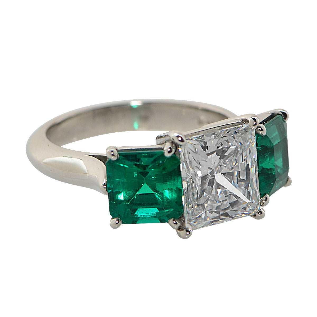 2 32 Carat F VS2 GIA Princess Cut Diamond and Emerald Ring For Sale at 1stdibs