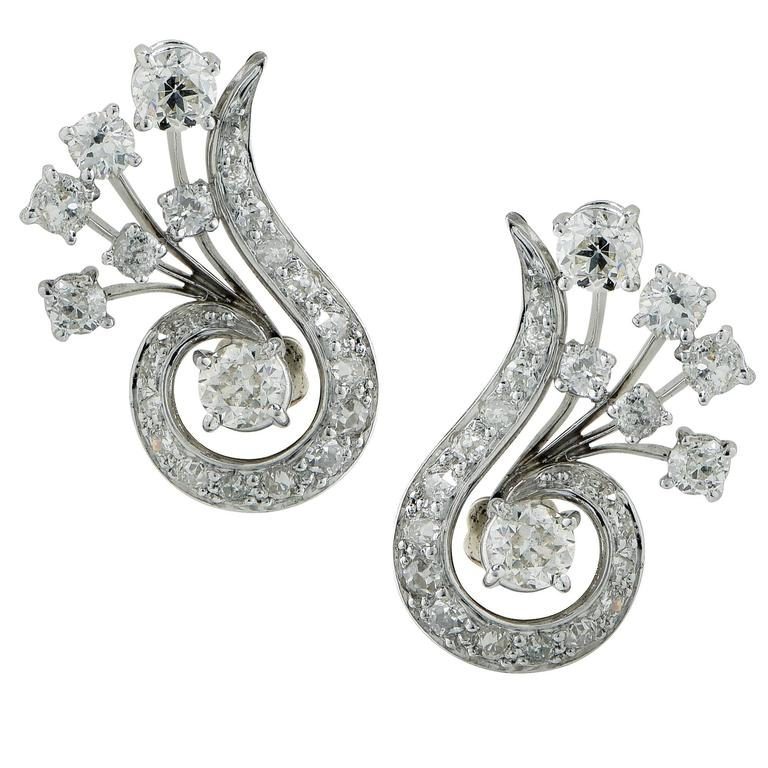 2.60 Carats Diamonds Platinum Earrings 1