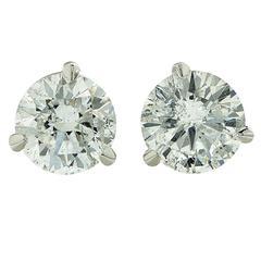 3.10 Carats Diamonds Stud Earrings