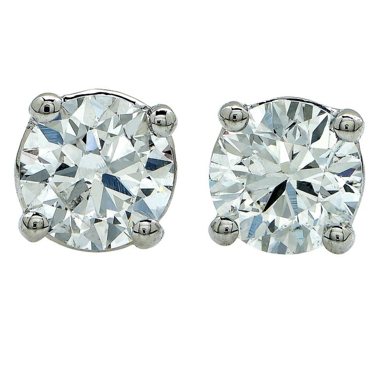 1.34 Carats Diamonds Gold Stud Earrings For Sale